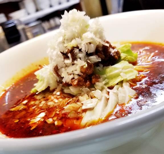辣香噴火湯麺(激辛汁そば) 火鍋料をアクセントに加えて辛さを追及して作った辣油で辛いけど旨い麺です。