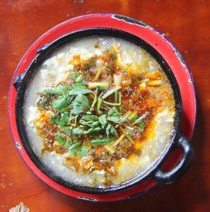 酸菜豆腐砂鍋