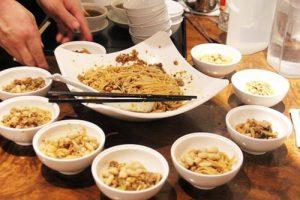 豌杂面 – エンドウ豆と四川風あえ麺  (四川料理)