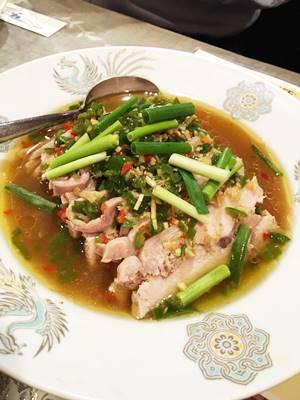 鶏の冷菜藤椒油ソース合え