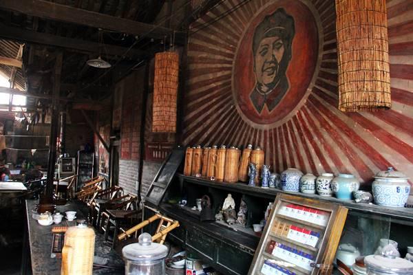 文革時代なので、毛沢東一色です