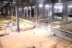 水井坊博物館の中では昔ながらの製造方法で今でも白酒がつくられています