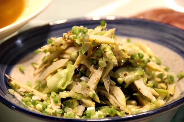 巧拌雷笋(タケノコの冷菜)