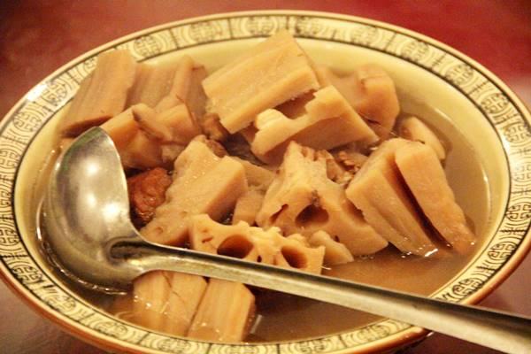 藕汤(レンコンとスペアリブのスープ)