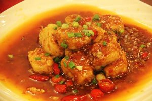 鱼香包豆腐(魚香味の豆腐料理)