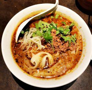 陳家私菜の麻辣刀削麺